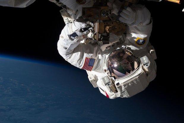 NASA опубликовало фотосессию, вдохновленную фильмом «Гравитация». Изображение № 4.