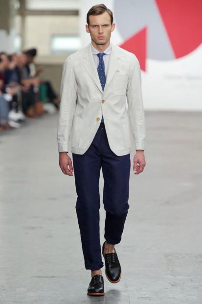 Марка Oliver Spencer выпустила летнюю коллекцию одежды. Изображение № 9.