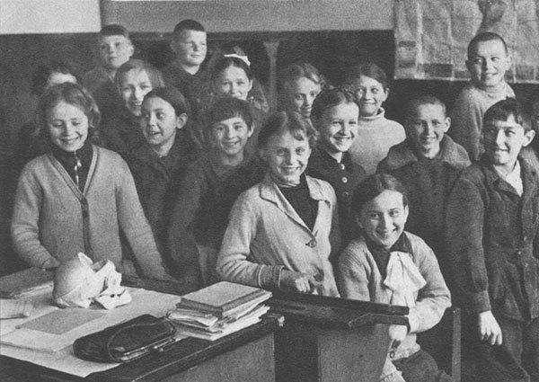 Выставку в честь 70-летия Победы закрыли из-за улыбающихся детей. Изображение № 1.