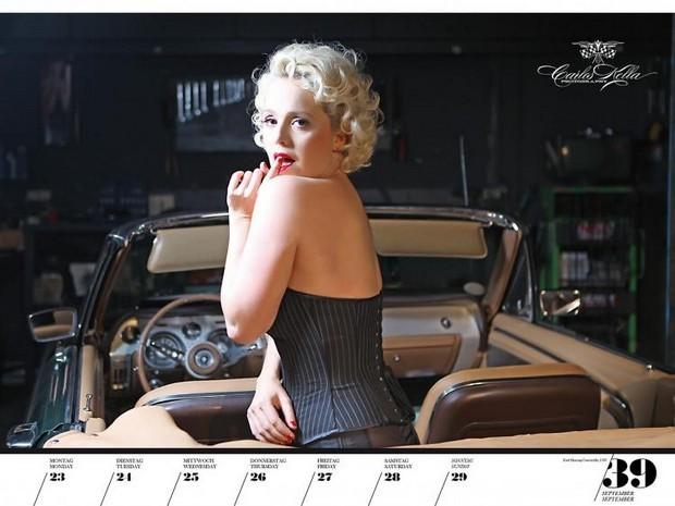 10 эротических календарей на 2013 год. Изображение № 90.