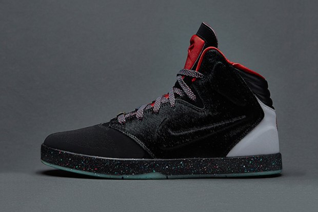 Nike Sportswear опубликовали лукбук новой коллекции сникеров Year of the Horse. Изображение № 4.