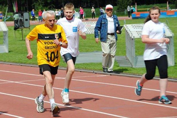 104-летний поляк побил рекорд скорости на стометровке. Изображение № 1.
