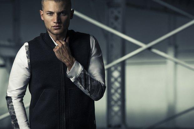 Марка Carhartt WIP запустила новую линейку одежды OverAll MasterCloth. Изображение № 8.