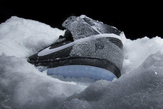 Магазин Premier и марка Nike выпустила совместную модель обуви SB Dunk Hi Premier SE. Изображение № 3.