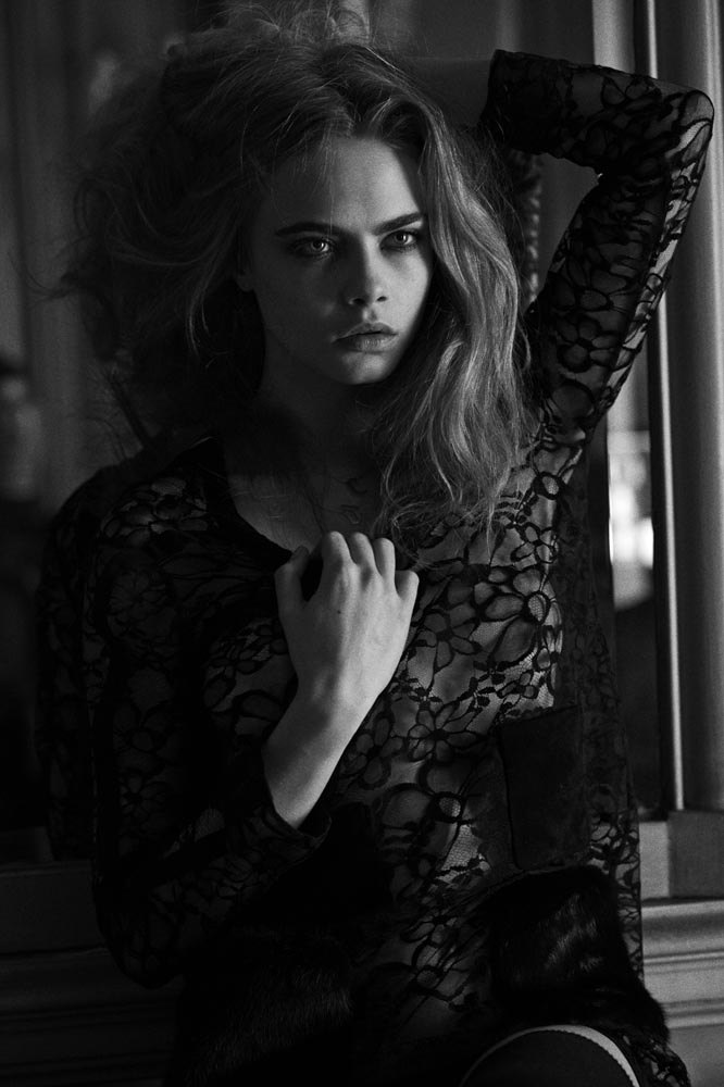 Английская модель Кара Делевинь снялась для журнала Interview. Изображение № 2.
