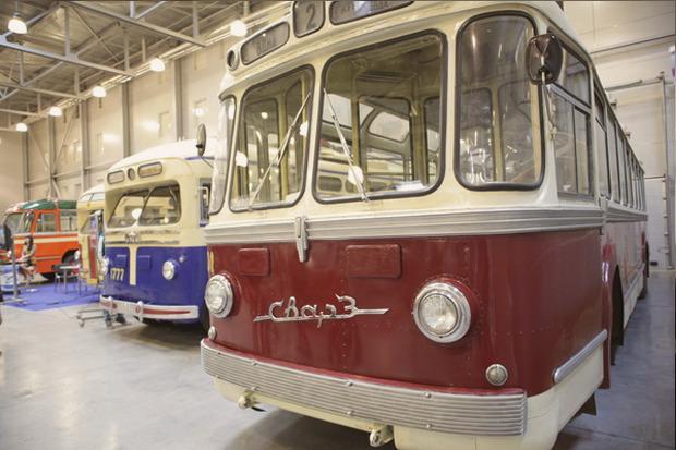 Машина времени: 8 лучших ретроавтомобилей с выставки «Олдтаймер». Изображение № 54.