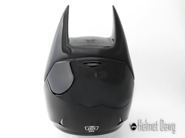 Компания Helmet Dawg спроектировала мотошлем по мотивам «Бэтмена». Изображение № 6.