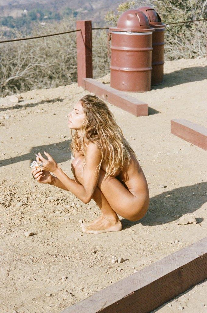 Хенрик Пурьенн сфотографировал модель Сахару Рэй для нового номера журнала Lui Magazine. Изображение № 2.