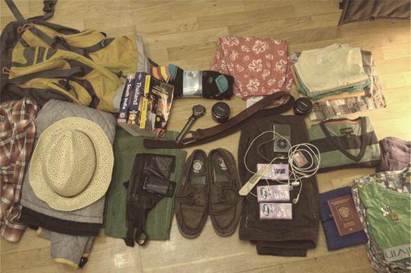 Набор вещей, которые Глеб взял с собой в путешествие. Изображение № 4.
