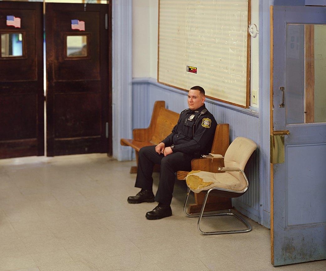Несколько дней из жизни обычных американских полицейских. Изображение № 21.