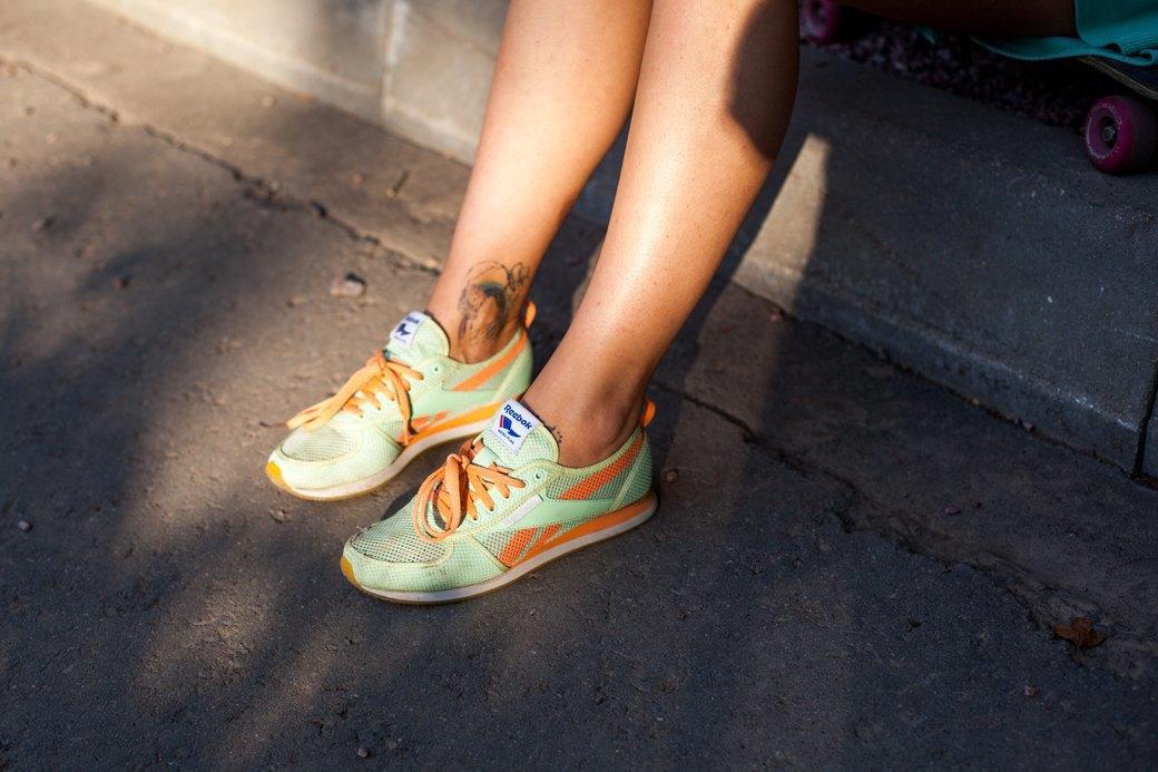 50 пар кроссовок посетителей выставки Faces & Laces. Изображение № 47.