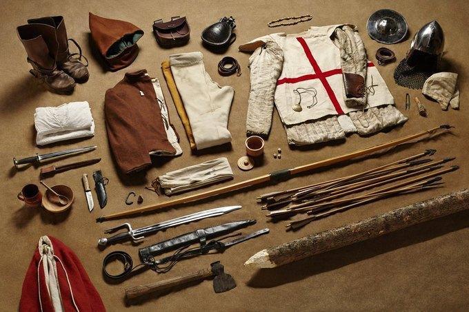 Британец сфотографировал всё военное снаряжение начиная с XI века. Изображение № 3.