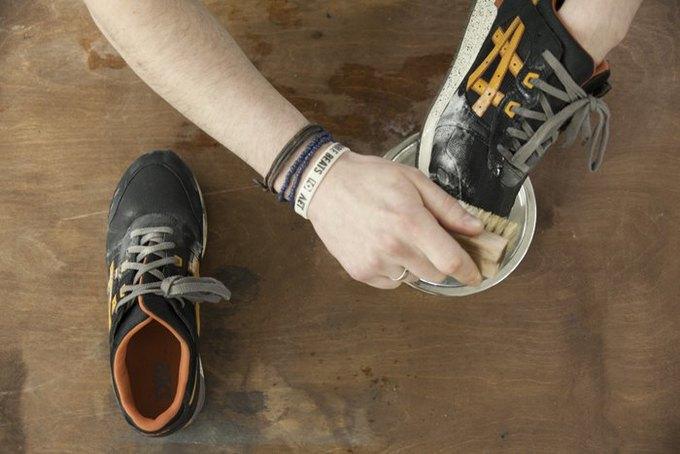 Совет: Как чистить кроссовки. Изображение № 6.