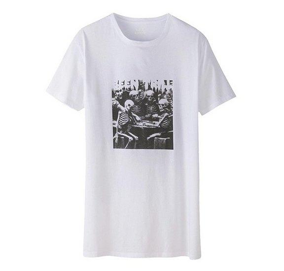 Канье Уэст и марка A.P.C. выпустили совместную коллекцию одежды. Изображение № 6.