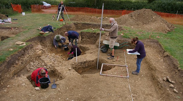 Английские археологи нашли пару, 700 лет держащуюся за руки . Изображение № 6.