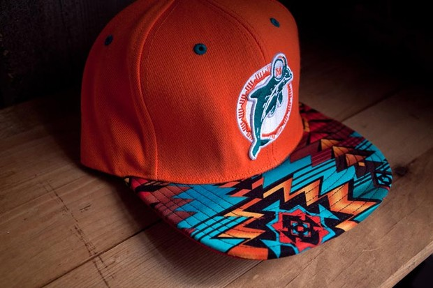 Genesis Project совместно с Pendleton выпустили коллекцию кепок с символикой команд НБА. Изображение № 3.