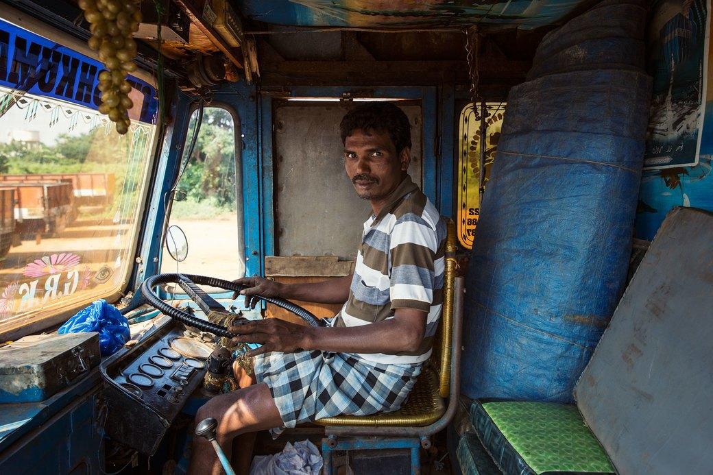 Я и друг мой грузовик: Индийские дальнобойщики и их автомобили. Изображение № 26.
