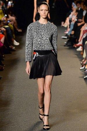 Александр Вэнг представил одежду, вдохновлённую дизайном сникеров. Изображение № 1.