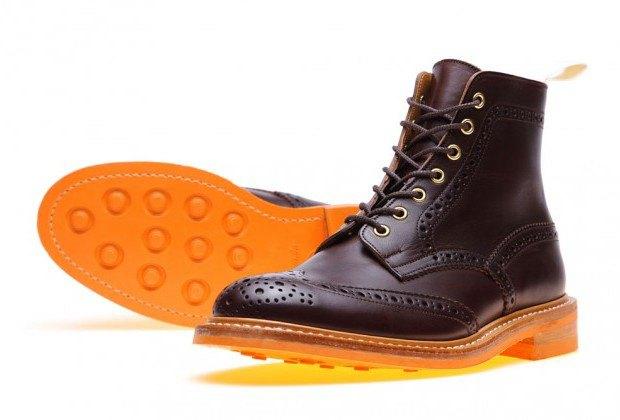 Марка Tricker's и магазин End Hunting Co представили совместную коллекцию обуви. Изображение № 1.