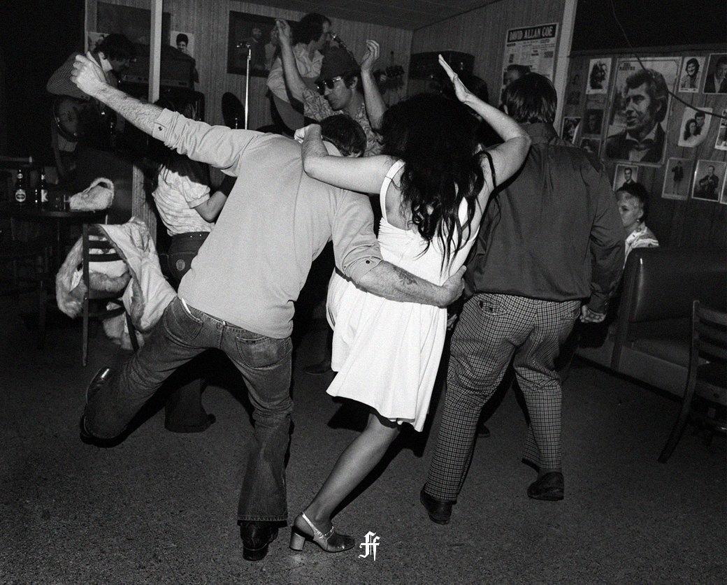 Пьяная в клубе 10 фотография