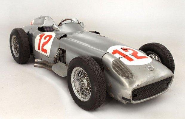 Самый дорогой болид «Формулы-1» в истории ушел с молотка. Изображение № 3.