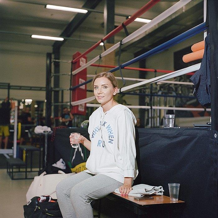 «Мой муж тоже занимается боксом, но я его перебиваю по очкам»: Девушки боксеры о своём увлечении. Изображение № 2.