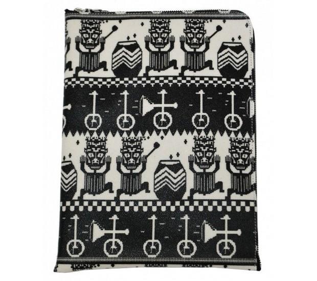 Дизайнер Хенрик Вибсков и Medicom Toy представили совместную коллекцию одежды и аксессуаров. Изображение № 26.