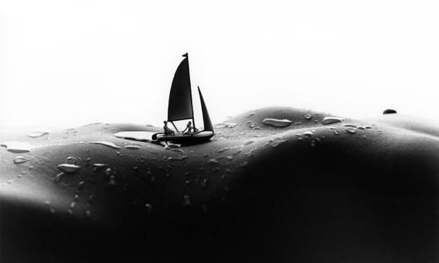 Фотограф Аллан Тегер выпустил серию работ, использовав в качестве пейзажа обнаженные тела. Изображение № 3.