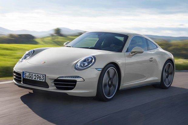 Porsche представили юбилейную версию легендарного спорткара 911. Изображение № 2.
