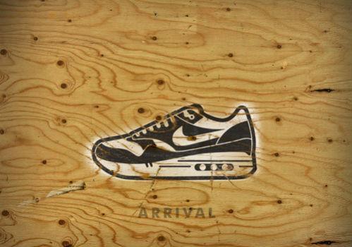 Книга иллюстраций, посвящённая кроссовкам Nike Air Max. Изображение № 14.