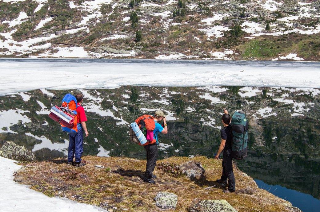«Лучше действовать, чем ждать у моря погоды»: Как я прыгнул с сибирской скалы в вингсьюте. Изображение № 9.