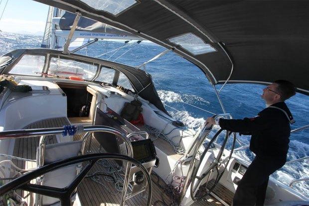 Морские практики: Как я отправился в бесконечное путешествие на яхте . Изображение № 5.