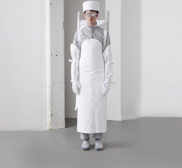 Молодой китайский дизайнер выпустила коллекцию одежды для рабочих, врачей и мясников. Изображение № 4.