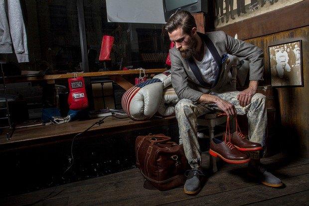 Марка Cole Haan и сайт Grungy Gentleman выпустили лукбук совместной коллекции одежды. Изображение №1.