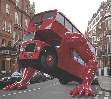 На улицах предолимпийского Лондона появился отжимающийся автобус. Изображение № 2.
