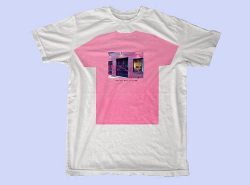 Художник Kidult и марка Marc Jacobs обменялись колкостями через футболки. Изображение № 3.