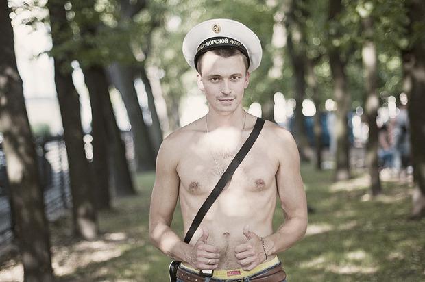 Детали: Моряки и корабли на Дне ВМФ в Санкт-Петербурге. Изображение № 2.