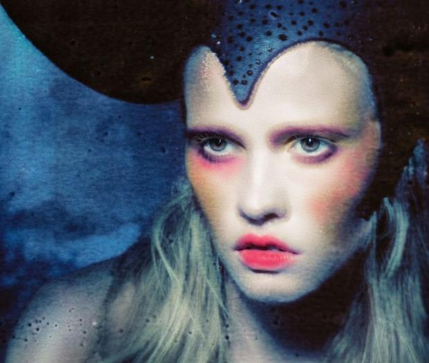 Модель Лара Стоун снялась у фотографа Паоло Роверси. Изображение № 5.