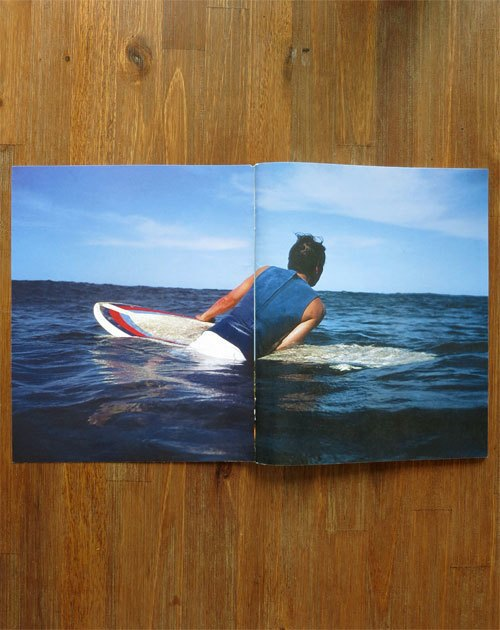 Вышел сборник фотографий Нолана Холла о сёрфинге на Гавайях. Изображение № 15.