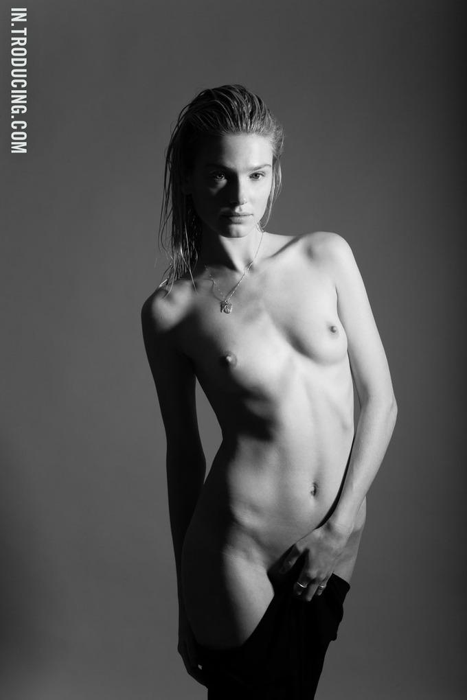 Норвежская модель София Лай снялась у фотографа Алекса Фрейда. Изображение № 11.
