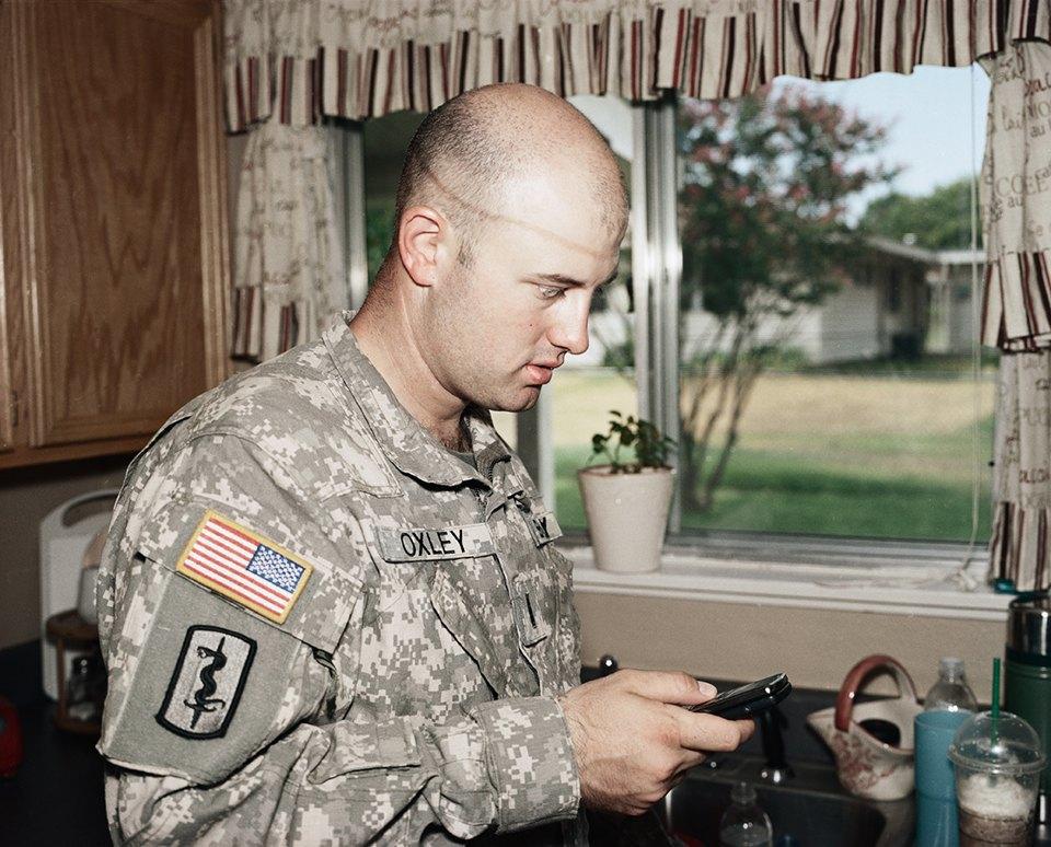 Семейный альбом: Как устроена бытовая жизнь американских военных . Изображение № 34.