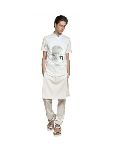 Givenchy выпустили коллекцию футболок с изображением Мадонны. Изображение № 24.