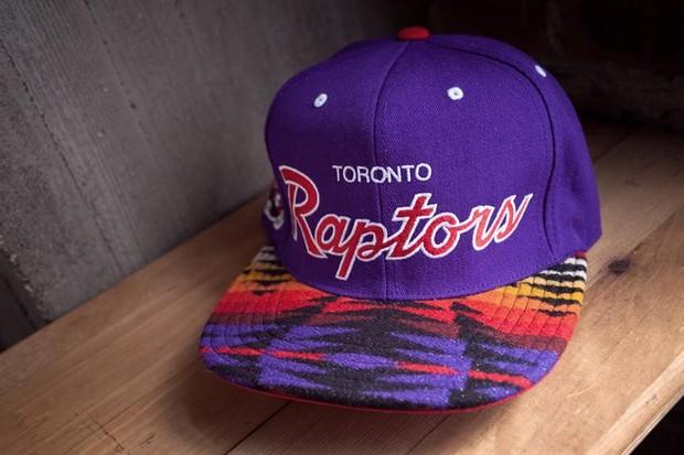 Genesis Project совместно с Pendleton выпустили коллекцию кепок с символикой команд НБА. Изображение № 17.