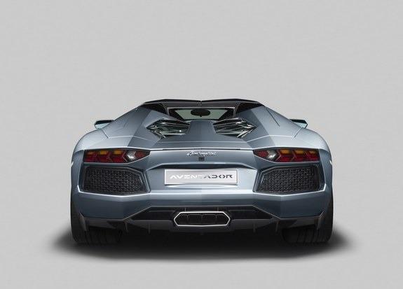 Lamborghini представили новый суперкар Aventador LP700-4 Roadster . Изображение № 12.