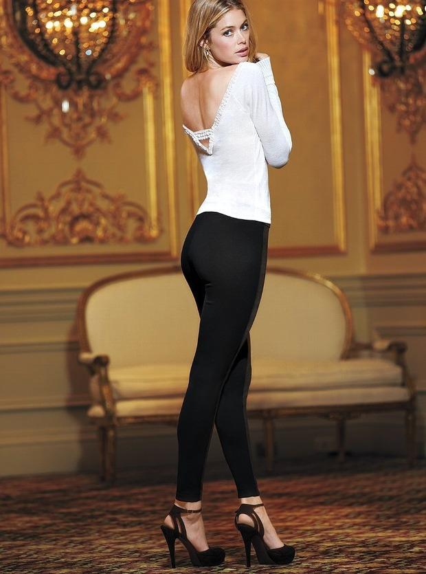 Модели Барбара Палвин и Даутцен Крус снялись в рекламе нижнего белья Victoria's Secret. Изображение № 10.