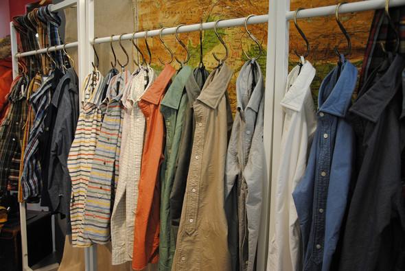 Рубашки Nigel Cabourn созданы определенно не для того, чтобы скрывать их под пиджаками. . Изображение № 16.