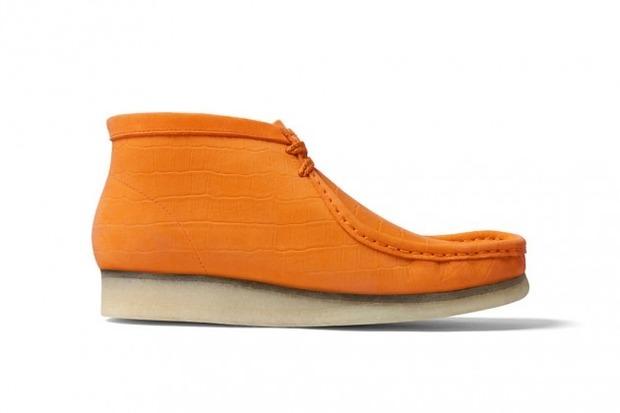 Марки Supreme и Clarks выпустили совместную модель ботинок Wallabee. Изображение № 2.