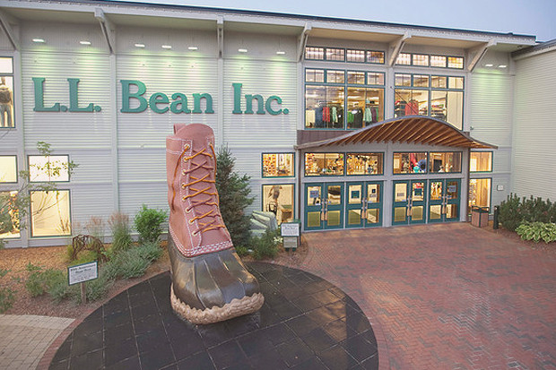 100 лет марке L.L.Bean: История появления знаменитых «лягушек», превратившихся в «ботинко-мобиль». Изображение № 19.