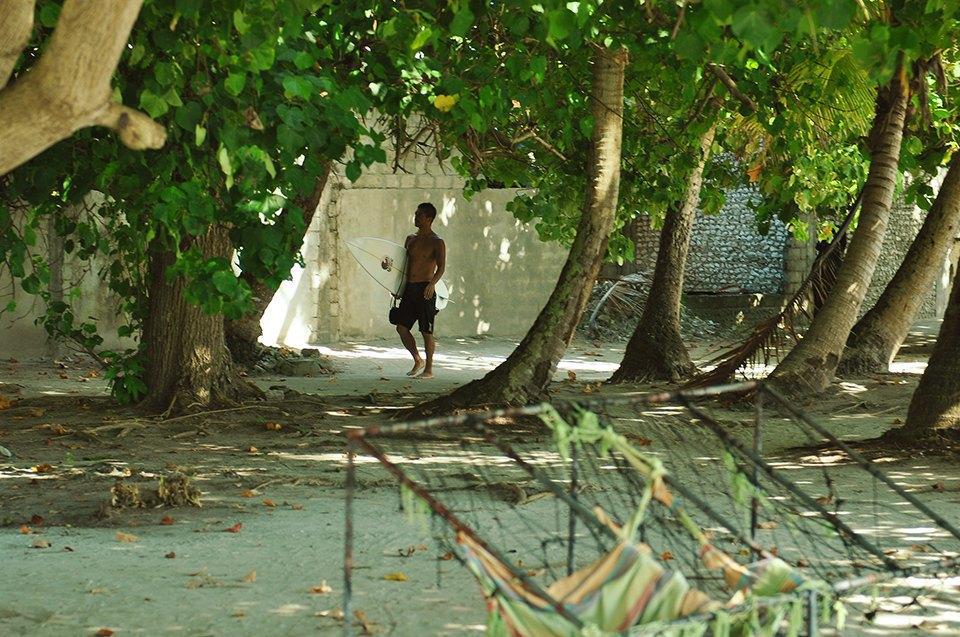 Russia Goes Surfing: Репортаж из серферского лагеря на Мальдивах. Изображение № 1.