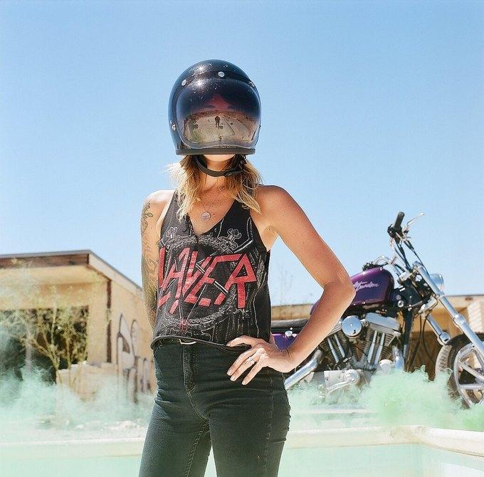 La Motocyclette: Американская фотовыставка доказывает право девушек называться байкерами. Изображение № 6.